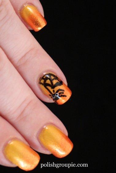Spider Halloween Nail Art