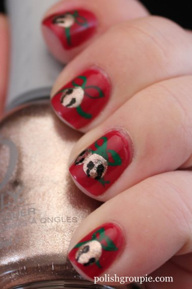 Christmas Nail Art: Jingle Bells