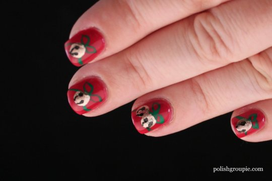 Christmas Nail Art: Jingle Bells