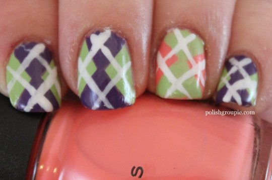 Argyle Pattern Nail Art